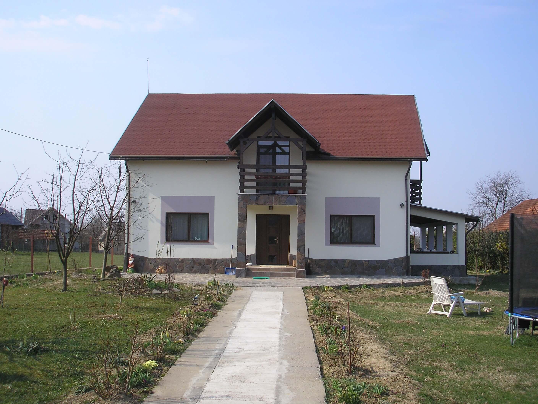 Casa moderna cu 21 ari teren la 11 KM de Baia Mare